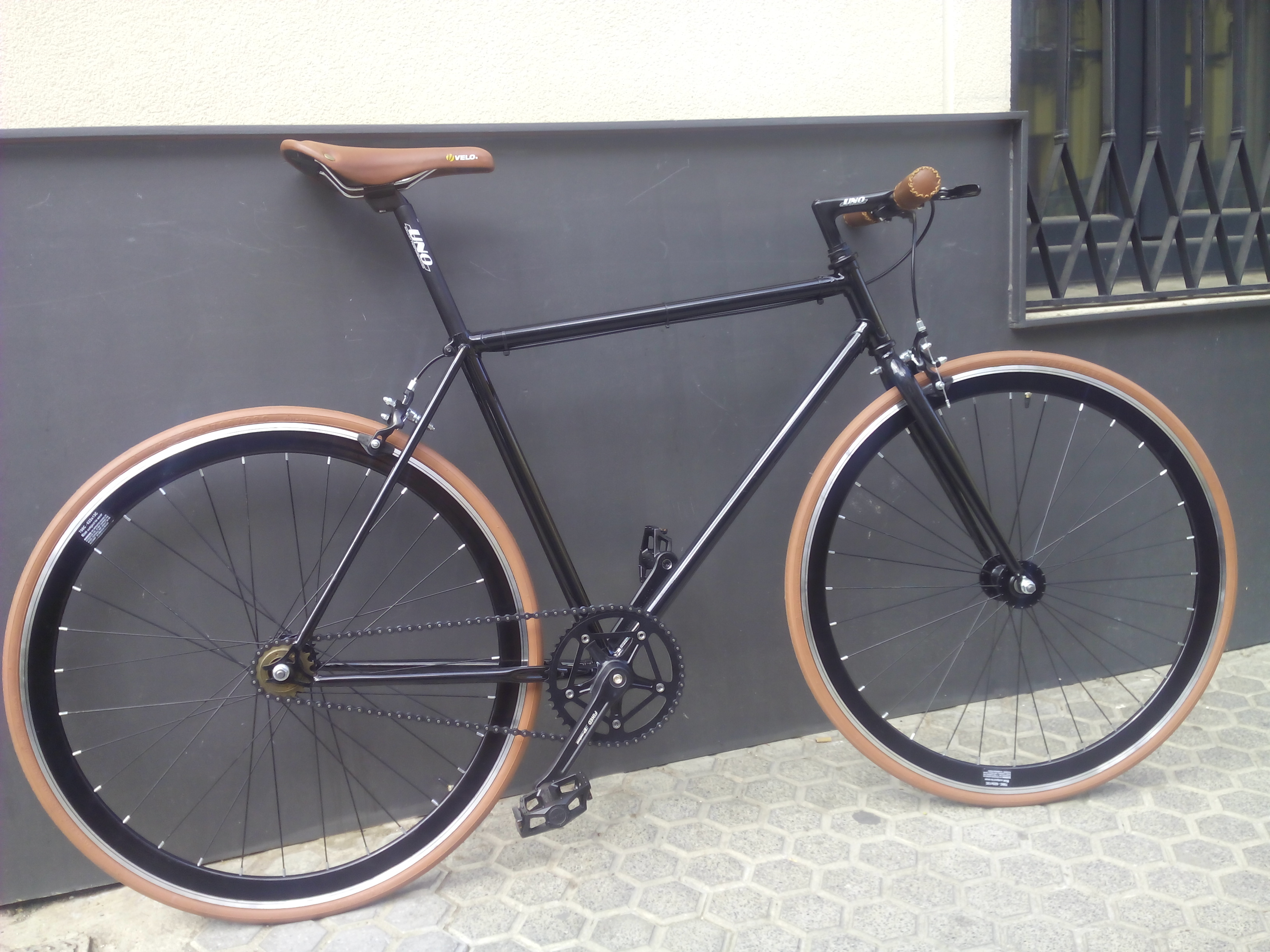 Fixie-Single speed Negra y Cuero