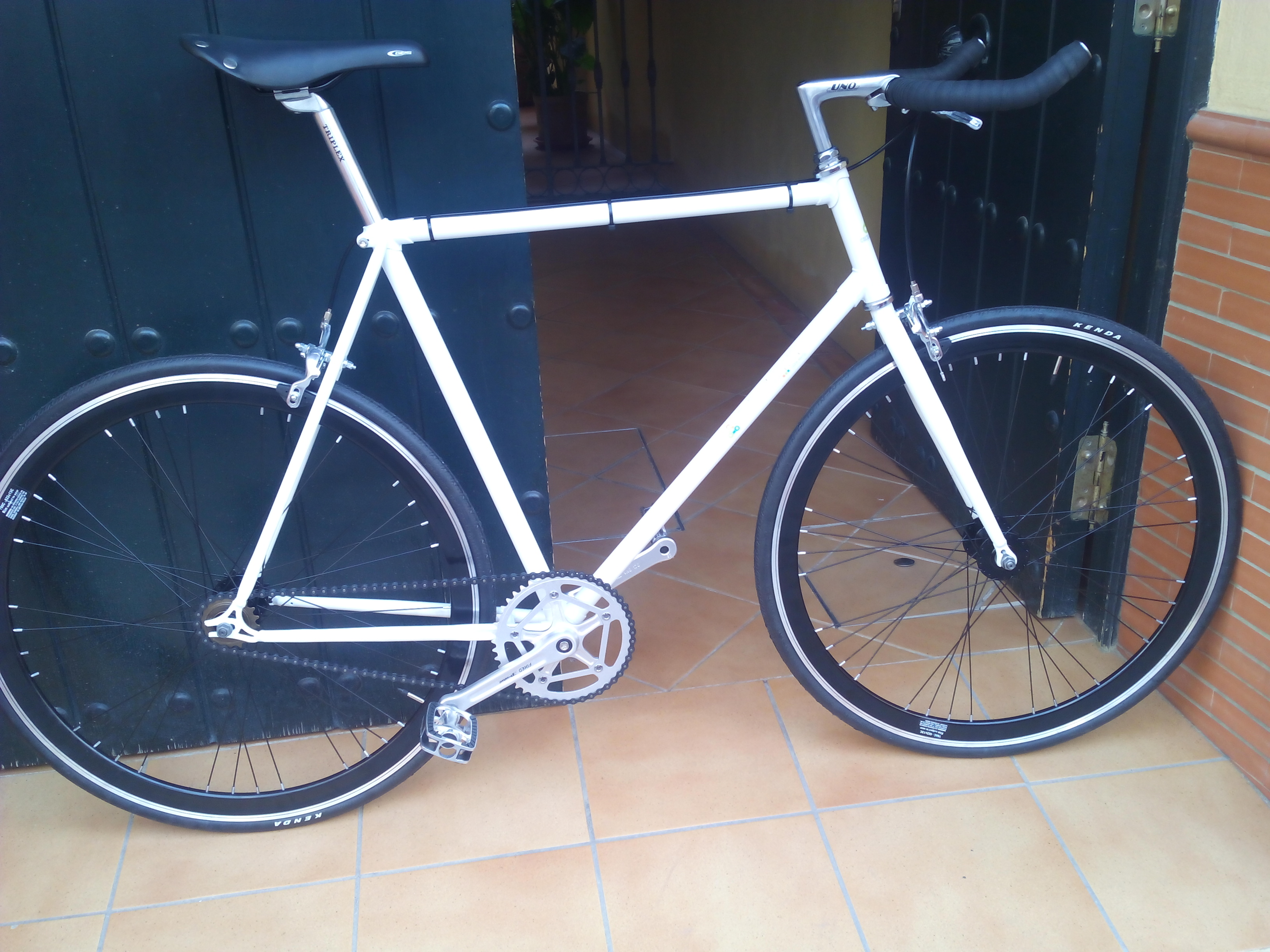 Encargo Single Speed blanca y negra
