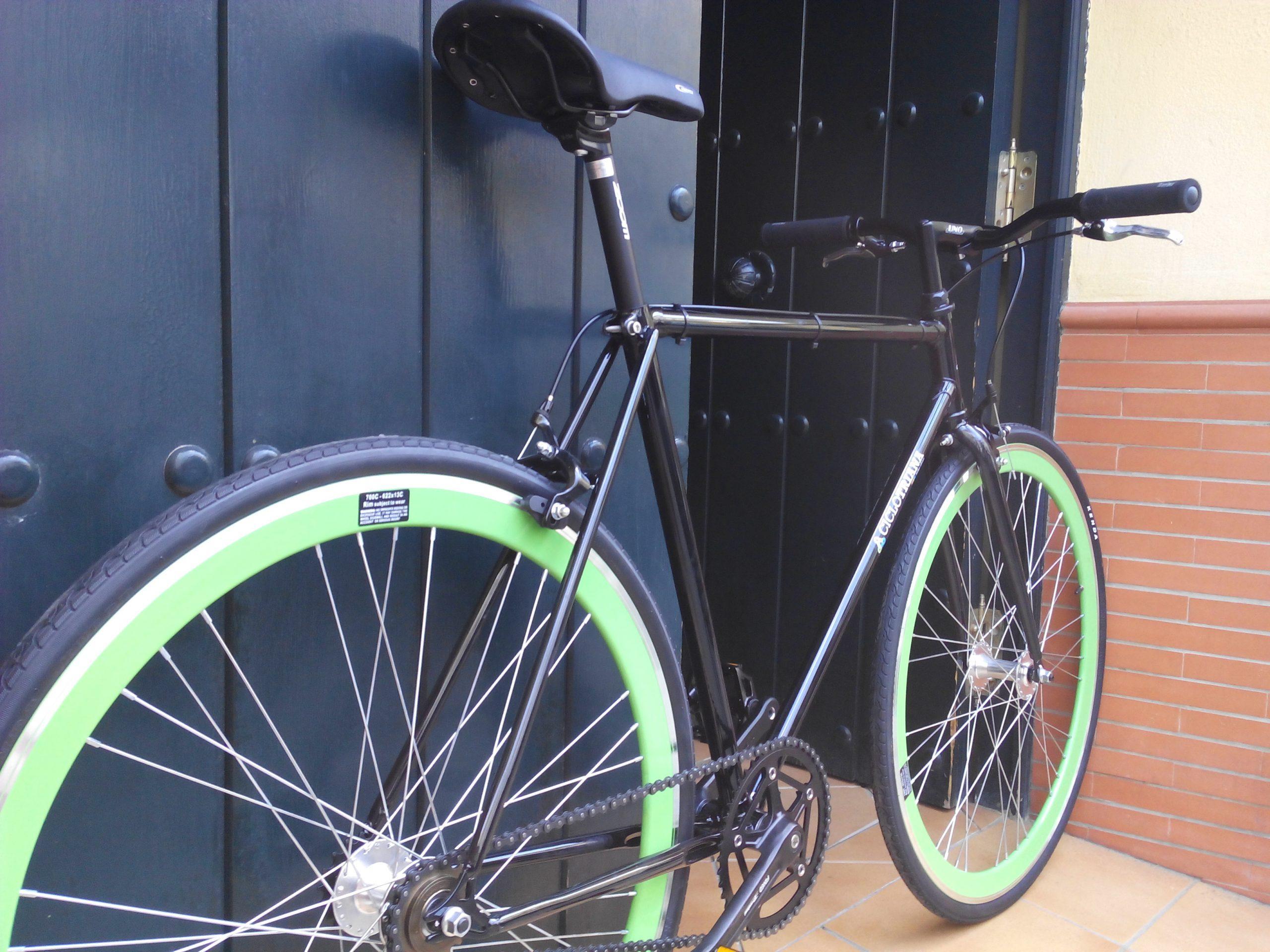Fixie-Single Speed negra y verde